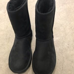 Size 8.5 women's black UGG Boots
